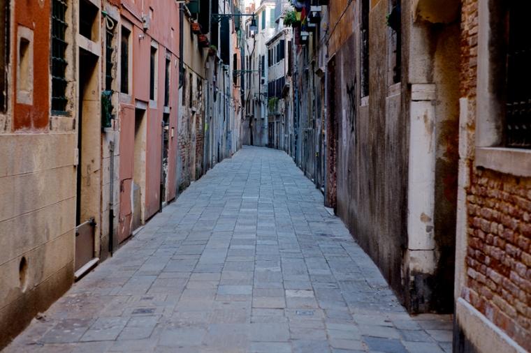 Venice_Alleys_01
